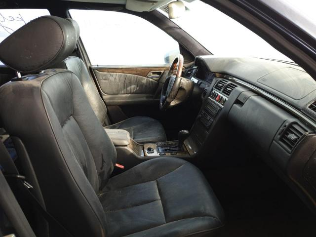 Used MERCEDES BENZ E CLASS for sale - 4/5